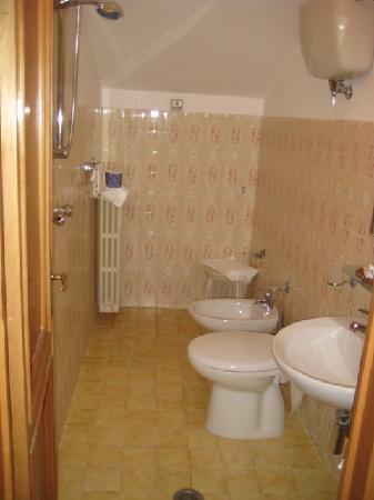 Hotel Lieto Soggiorno: Bathroom
