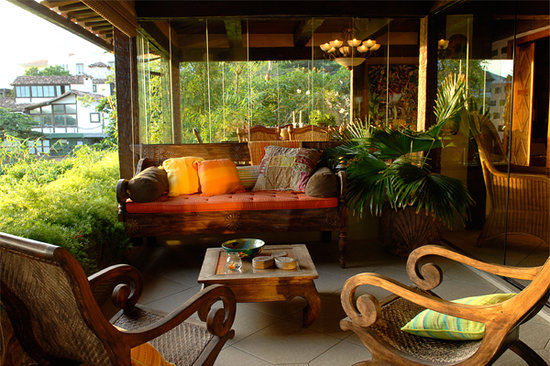 Cachoeira Inn: Outdoor lounge located on Guest House veranda.