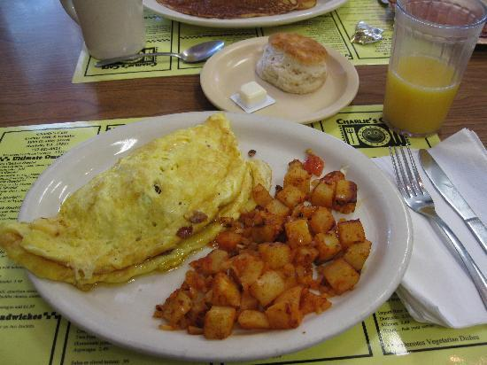 Charlie's Cafe: Charlie's Mom's Omelet in Norfolk, VA
