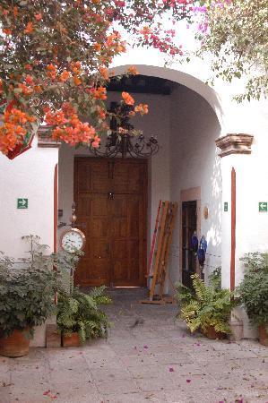 Hotel Villa del Villar: courtyard
