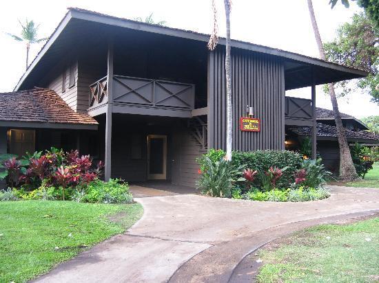 Kaanapali Ocean Inn: OUR BUNGALOW