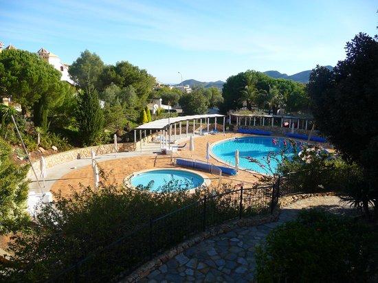 Las Lomas Village: pool