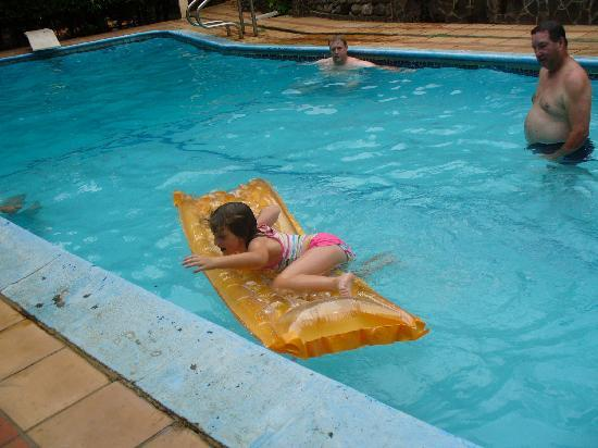 Managua Hills Bed and Breakfast: pool time
