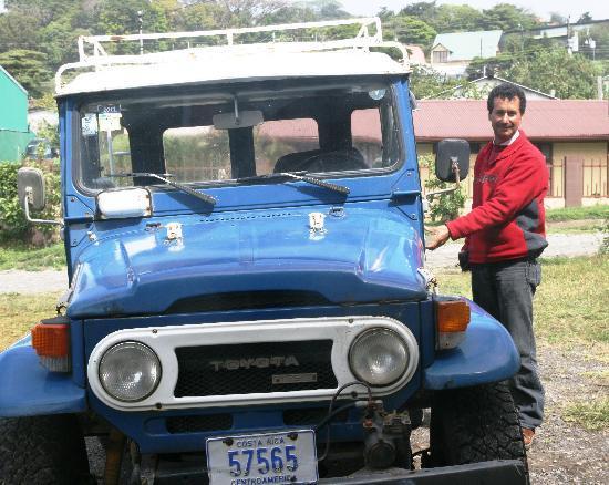 Hotel La Puesta del Sol: Freedy and his blue jeep