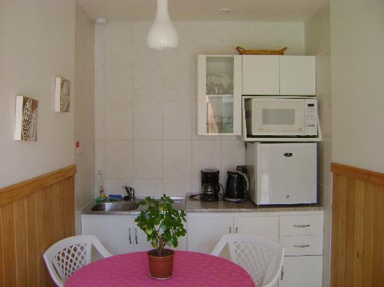Canales del Sur: kitchen aid del dormitorio bungalow de atrás