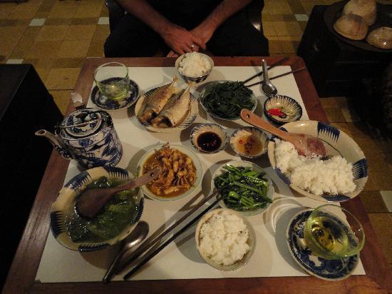 Ciudad Ho Chi Minh, Vietnam: Geheimtipp. Das ganze Essen für ca. 7$.