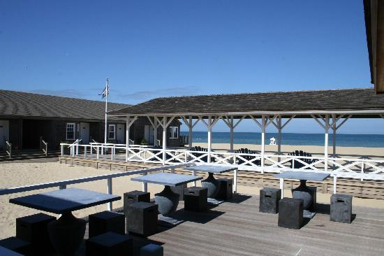 Cliffside Beach Club: Cliffside Bar Deck & Pavilion