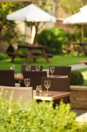 Royal Oak Inn: Alfresco Dining