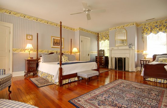 Cannonboro Inn: King Room #4