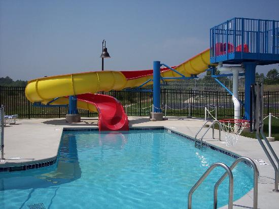 Meadow Ridge Resort: Our indoor / outdoor aquatic center is sure to please!