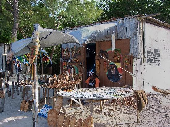 Falmouth, Jamaica: Carver's Shop on Public Beach