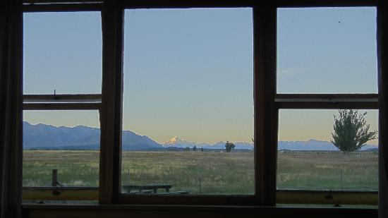 ‪‪Twizel‬, نيوزيلندا: View to Mt Cook from the main bedroom‬