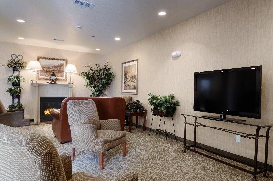 Ramada Gatesville: lobby