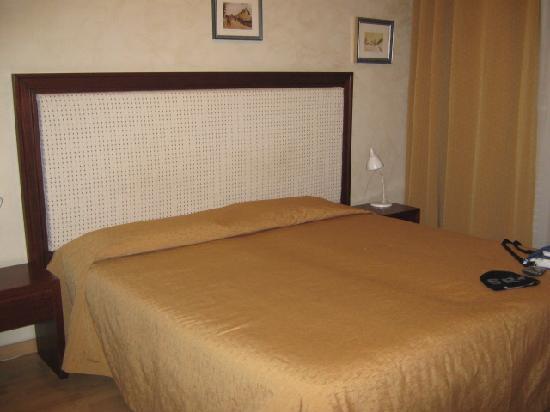 Hotel Montevecchio : Letto - camera comfort