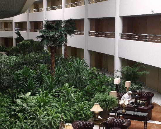 Armed Forces Officers Club & Hotel: A gigantic plant atrium by the guest rooms