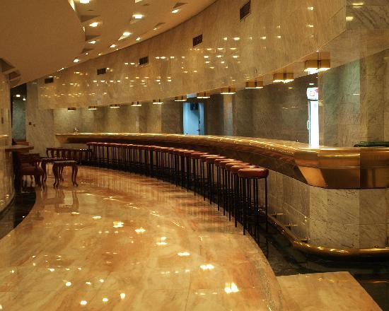 Armed Forces Officers Club & Hotel: A deserted and immaculate bar in the basement