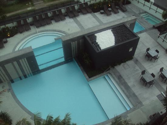 Peppers Broadbeach: Spectacular pool area from balcony