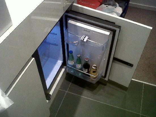 Legere Hotel Luxembourg: Free mini bar restocked daily