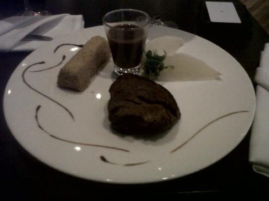 Legere Hotel Luxembourg: Beef served at the restaurant