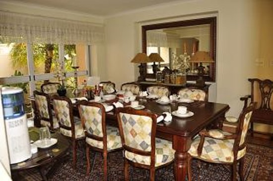 Crane's Nest Guest House and Spa @ 313: Dinning Room