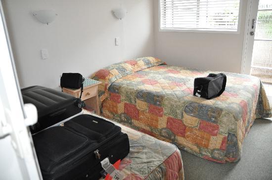 Outrigger Motel: Inner bedroom