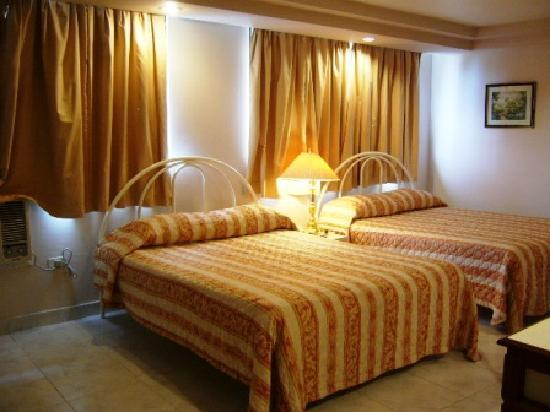 Hotel Roma Plaza : confortable habitacion