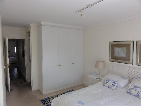 Apartments at Knysna Quays: Master Bedroom