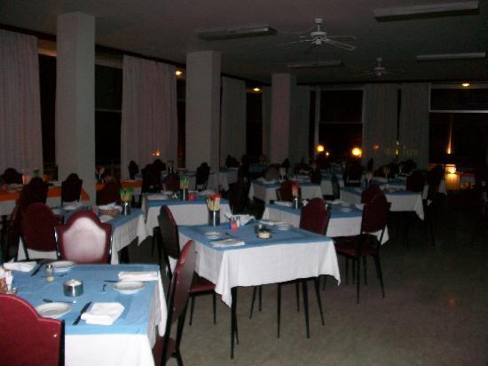 Hotel Savini Rimini : Foto rubata a sala chiusa