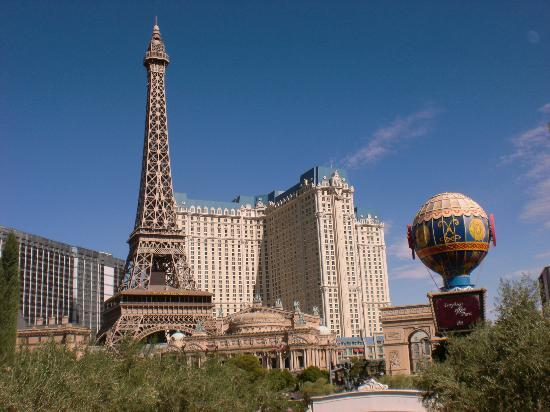 Hotel And Flights To Paris Near Eiffel Tower