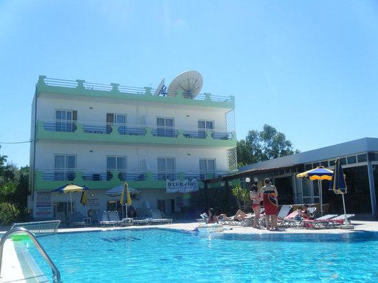 Millenium Studios: Pool/hotel