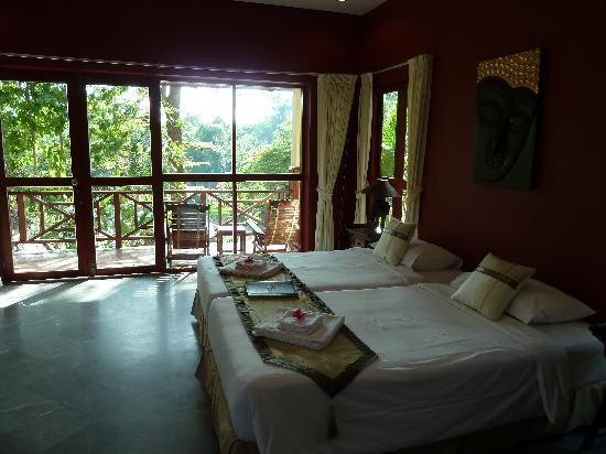 Oriental Kwai Resort: chambre vue rivière