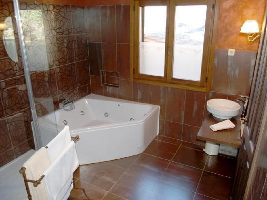 Arenas de San Pedro, Hiszpania: Baño suite