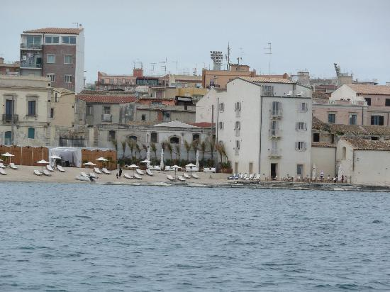 Siracusa ortigia boat excursions picture of syracuse for Hotel resort siracusa