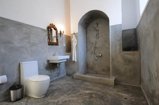 Sao Filipe, Cape Verde: bathroom