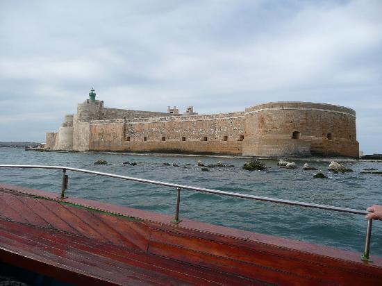 Syrakus, Italien: Ortigia Island Boat Excursion Castello Maniace