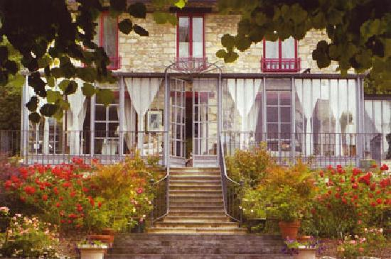 La Pluie de Roses : La façade de la maison