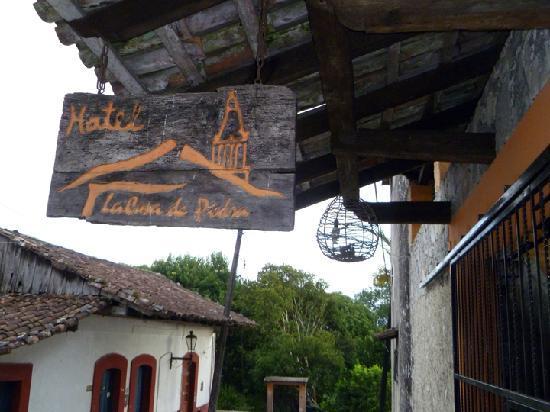 Welcome fotograf a de hotel la casa de piedra cuetzalan - La casa de las piedras ...