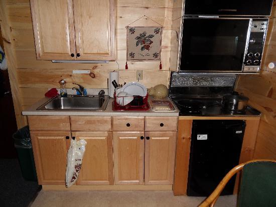 Pemi Cabins: the kitchen