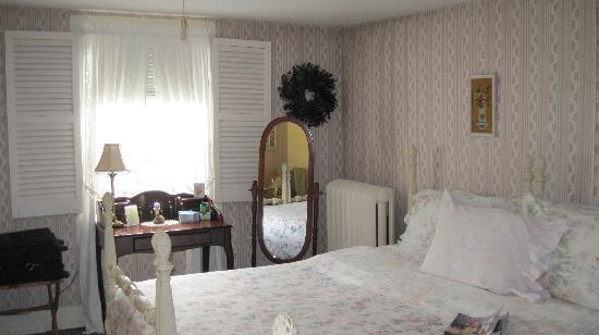 Chester Bulkley House Bed and Breakfast : our room