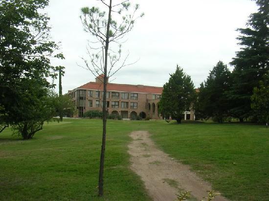 San Miguel Plaza Hotel : hotel desde el golf