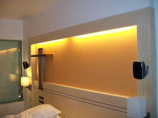 Sayaji Hotel The Speakers Atop Bed For Surround Sound Effect