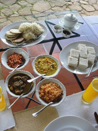 Ceylon Tea Trails: Sri Lankan Breakfast-- try it, YUMMY