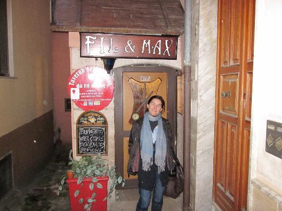 Fil & Max : En la pequeña entrada