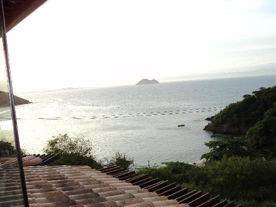 Galapagos Inn Hotel: Atardecer y un trago en el Piano bar,