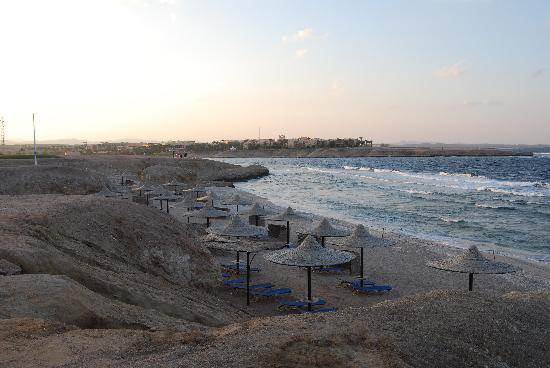 Jaz Samaya Resort: beach