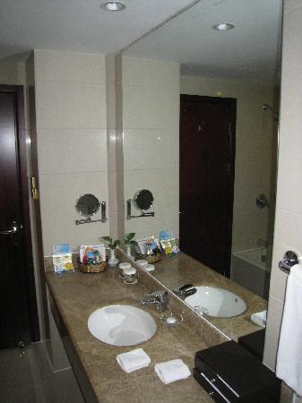 LeBanner Xinguang Hotel : 1101 - bathroom 3