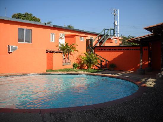 La Posada del Capitan Henry: pool area