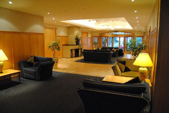 Brentwood Hotel: Reception area