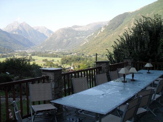 Les Terrasses de Saubissan : Terrasse sur la vallée