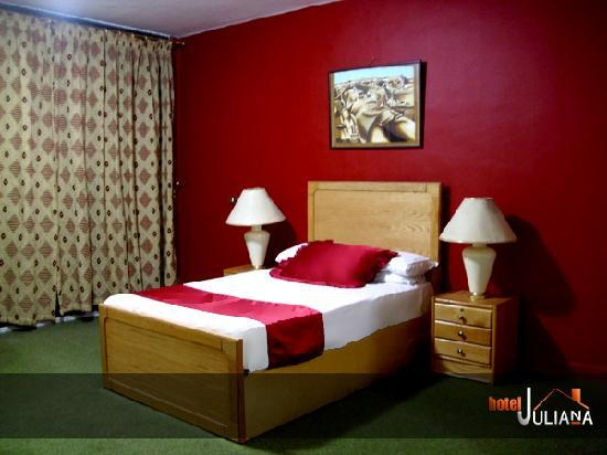 Mandarin Hostel: Juliana hotel hostel 1 bed room